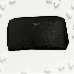 Black Vegan Leather Matt & Nat Zippy Wallet
